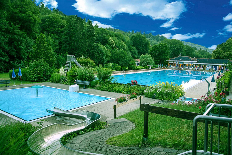 cropped-Waldschwimmbad_Schriesheim.jpg